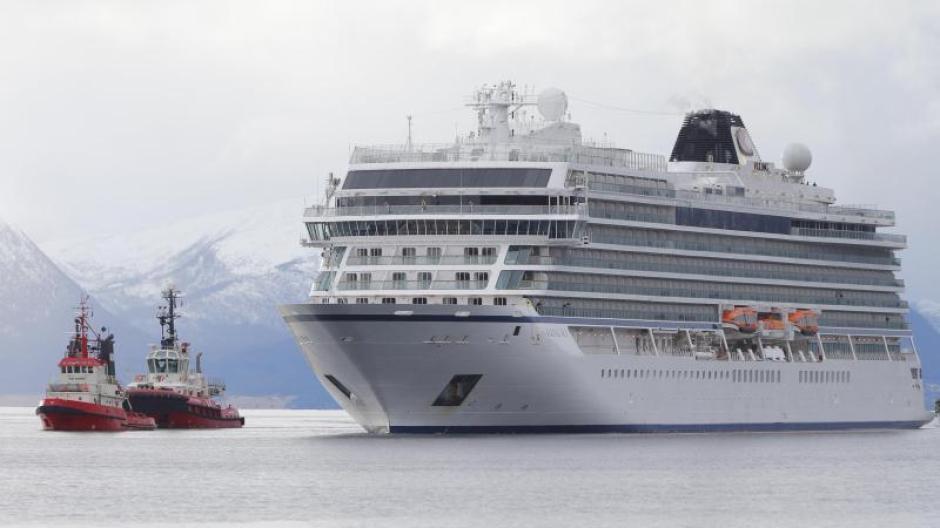Die «Viking Sky» mit 915 Passagieren und 458 Besatzungsmitgliedern an Bord hatte sich seit mehr als einer Woche auf Kreuzfahrt entlang der westnorwegischen Küste befunden. Foto: Svein Ove Ekornesvåg/NTB scanpix