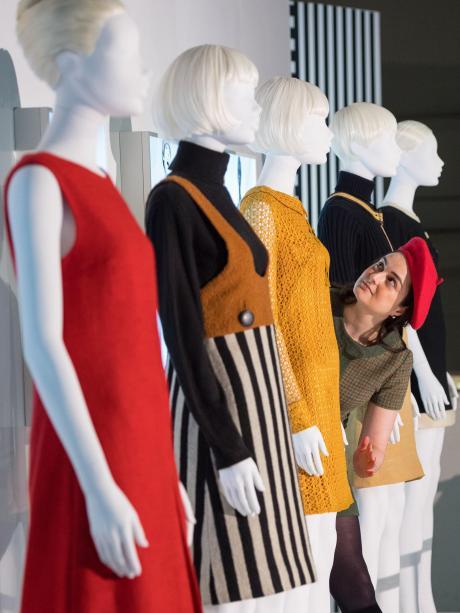 3ed16e1c2b42 Ausstellung in London: Mary Quant revolutionierte mit Miniröcken ...