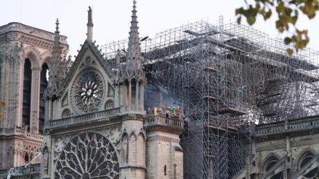 Das Feuer in Notre-Dame ist unter Kontrolle.