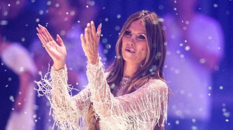 Heidi Klum lädt ein: Heute steigt das Finale von GNTM 2019 live im TV und Stream. Channing Tatum, die Jonas Brothers, Tokio Hotel und viele weitere sollen auftreten.
