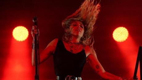 Es gibt Neues von Miley Cyrus.