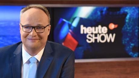 """Oliver Welke moderiert die """"heute-show"""". Und das ist zunehmend keine Freude mehr. Wie die gesamte Nachrichtensatire, die Ende Mai 2009 erstmals im ZDF lief."""