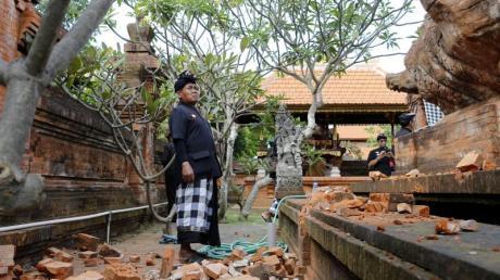 Erdbebenschäden in einem Tempel auf Bali.