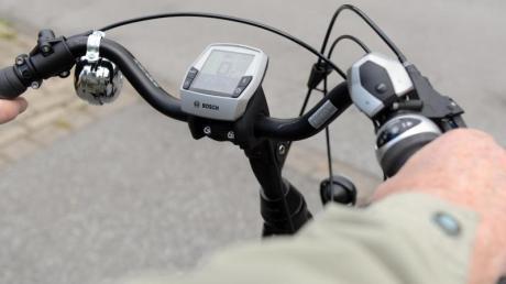 Unfall zwischen einem angetrunkenen E-Bike-Fahrer und einer 77-Jährigen in Kissing.