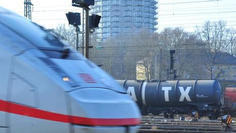 Am Montag und Dienstag müssen sich München-Pendler aus Augsburg und Donauwörth auf Ausfälle einzelner ICE-Verbindungen gefasst machen. IC- und Regionalzüge sind nicht betroffen.