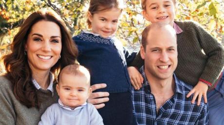 Eine royale Familie: Prinz William mit seiner Frau Herzogin Kate und den drei Kindern Prinz Louis (l), Prinzessin Charlotte (M) und Prinz George (r). Foto (2018): Matt Porteous/PA Wire Foto: Matt Porteous