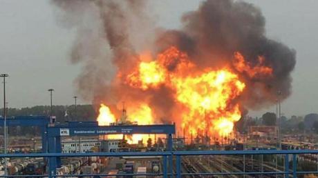 Im Prozess um das BASF-Explosionsunglück mit fünf Toten ist der Angeklagte zu einem Jahr Haft auf Bewährung verurteilt worden.
