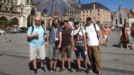 Jaime Araujoführt in München spanischsprachige Touristen herum. Er lebt seit zwei Jahren in Deutschland und Stück für Stück Deutsch lernen.