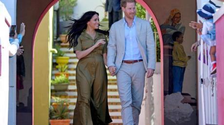 Prinz Harry und seine Frau Meghan bei ihrem Besuch des Stadtteils Bo-Kaap anlässlich des «HeritageDay». Foto: Toby Melville