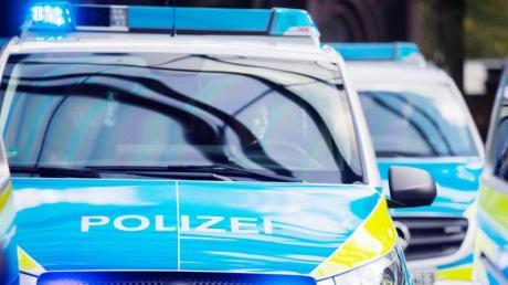 Polizeiauto mit Blaulicht. Foto: Rolf Vennenbernd