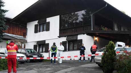 Tatort in Kitzbühel: Ein 25-jähriger Mann hat in diesem Einfamilienhaus aus Eifersucht fünf Menschen erschossen. Foto: Zoom.Tirol/APA/dpa
