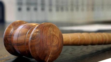 Die Staatsanwaltschaft Duisburg hat nach der mutmaßlichen Gruppenvergewaltigung einer jungen Frau in Mülheim Anklage gegen drei Jugendliche erhoben. Foto: Uli Deck/dpa