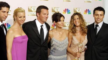 """David Schwimmer, Lisa Kudrow, Mathew Perry, Courtney Cox Arquette, Jennifer Aniston und Matt LeBlanc (von links) im Jahr 2002. Die Serie """"Friends"""" wird nun fortgesetzt."""