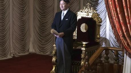 Zwischen Tradition und Moderne:Japans Kaiser Naruhito. Foto: Eugene Hoshiko/AP/dpa