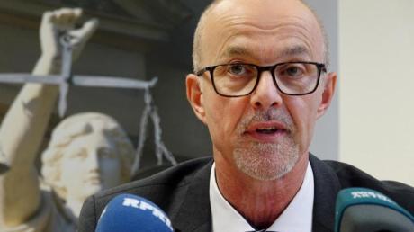Der leitende Oberstaatsanwalt Peter Fritzen. Foto: Harald Tittel/dpa