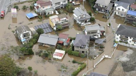 Überflutetes Wohngebiet in der Stadt Sakura in der Präfektur Chiba.
