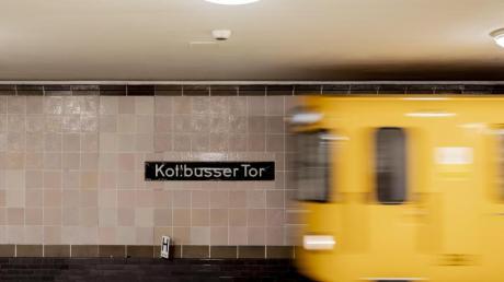 Im U-Bahnhof Kottbusser Tor war ein 30-Jähriger vor eine einfahrende U-Bahn gestoßen worden - und starb. Foto: Christoph Soeder/dpa