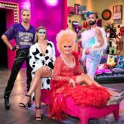 """""""Queen of Drags""""-Jury: Conchita Wurst, Bill Kaulitz und Heidi Klum hier bei uns im Kurzporträt. Außerdem im Bild ist Gast-Star Olivia Jones, die in einer Folge Gastjurorin war."""