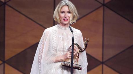 Naomi Watts erhält einen Bambi in der Kategorie «Schauspielerin International». Foto: Sebastian Gollnow/dpa
