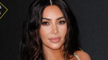 Kim Kardashian weiß wie es ist, ständig unter Beobachtung zu stehen.