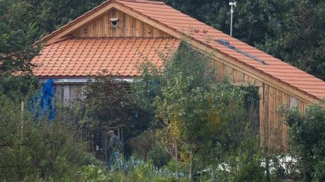In dem abgelegenen Bauernhof hatte eine Familie jahrelang völlig isoliert gehaust.
