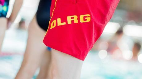«Schwimmbäder machen dicht oder werden abgerissen» sagte DLRG-Sprecher Achim Wiese. Die, die noch stehen, seien häufig sanierungsbedürftig.