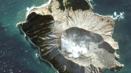 Die Touristeninsel White Island von oben: Nach einem Vulkanausbruch auf dem Eiland ist die Opferzahl auf 16 gestiegen. Zwei weitere Menschen werden vermisst.
