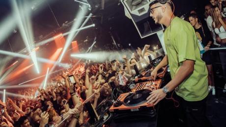 DJ Snake legt im Kölner Club «Bootshaus» auf.