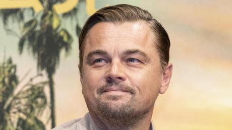 """Leonardo DiCaprio spielt Frank Abagnale in """"Catch Me If You Can"""". Alles weitere zum Film rund um TV-Termin, Handlung, Schauspieler und Trailer finden Sie hier."""