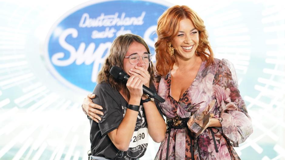 Talentshow Auf Rtl Dsds 2020 Folge 1 Am 4 1 20 Caro Bekommt Die Erste Goldene Cd Augsburger Allgemeine