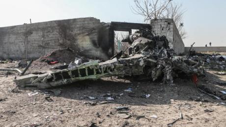 Trümmerteile am Absturzort: Der Iran hat eingeräumt, das Flugzeug versehentlich abgeschossen zu haben