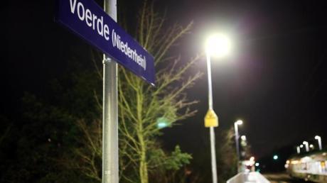 Im Bahnhof Voerde war eine Frau im vergangenen Jahr vor einen einfahrenden Zug gestoßen worden.