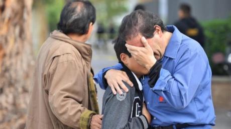Trauer vor der Cervantes-Schule im mexikanischen Torreón. Ein Elfjähriger hatte in der Grundschule das Feuer eröffnet und sich und eine Lehrerin getötet.