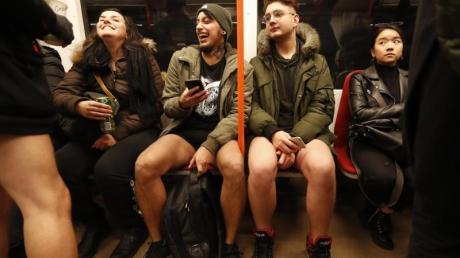U-Bahnfahrer in Prag beim jährlichen «No Pants Subway Ride».
