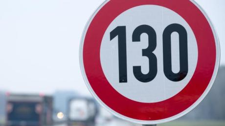Die CSU hat eine Kampagne gegen ein generelles Tempolimit auf Autobahnen gestartet.