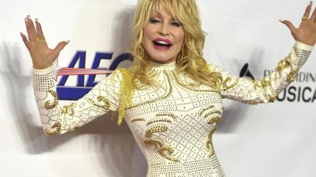 Dolly Parton, eine Frau, die alles kann.
