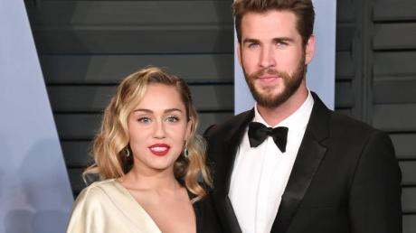Miley Cyrus und Liam Hemsworth kommen 2018 in Beverly Hills zur Vanity Fair Oscar Party.
