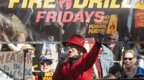 Jane Fonda, Schauspielerin, bei einer Ansprache auf der «Fire Drill Fridays»-Demonstration.