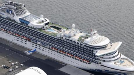 """Zehn Tote, über 700 Infizierte: Das Kreuzfahrtschiff """"Diamond Princess"""" war der erste Corona-Hotspot außerhalb Chinas. Die Branche leidet unter teils dramatischen Umsatzeinbrüchen."""
