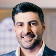 """Let's Dance"" 2020: TV-Moderator Sükrü Pehlivan im Porträt."