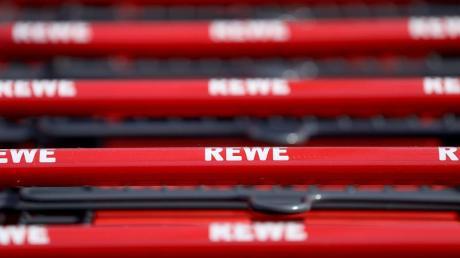 Rewe hat Weintrauben wegen einer erhöhten Belastung mit Pestizidrückständen zurückgerufen.