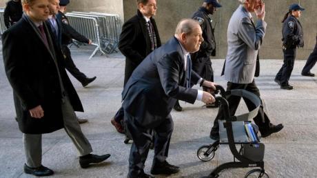 Harvey Weinstein trifft vor dem Gericht in Manhattan ein.