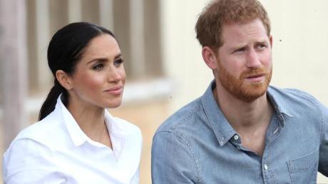 """Prinz Harry und seine Frau Meghan wollen ab sofort """"null Dialog"""" mit den vier größten Boulevardmedien Großbritanniens pflegen."""