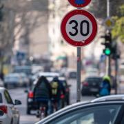 Die Regelungen der StVO-Novelle zu Fahrverboten sind wohl unwirksam. Wir geben einen Überblick darüber, was Autofahrer beachten müssen, wenn sie gegen Fahrverbote vorgehen wollen.