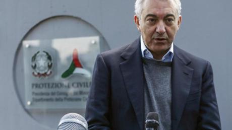Domenico Arcuri, der italienische Sonderbeauftragte für Covid-19, bei einer Pressekonferenz vor dem Hauptquartier des Katastrophenschutzes.