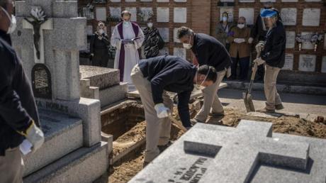 Eine Beerdigung in Madrid.