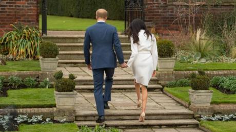 """Prinz Harry und Meghan Markle machen sich auf zu neuen Ufern. Das Paar bestätigte diese Woche die Gründung einer Wohltätigkeitsorganisation namens """"Archewell"""" in den USA."""