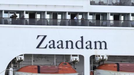 Das Kreuzfahrtschiff «Zaandam» mit Corona-Infizierten ist weiterhin auf der Suche nach einem Hafen.
