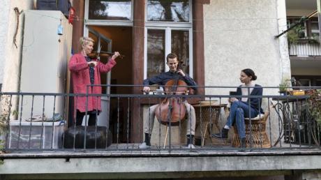 Mitglieder des Freiburger Barockorchesters spielten auf einem Balkon die «Ode an die Freude» von Ludwig van Beethoven.