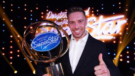 """Ramon Roselly, Gebäudereiniger aus dem sächsischen Zschernitz, gewann die 17. Staffel der Castingshow """"Deutschland sucht den Superstar""""."""